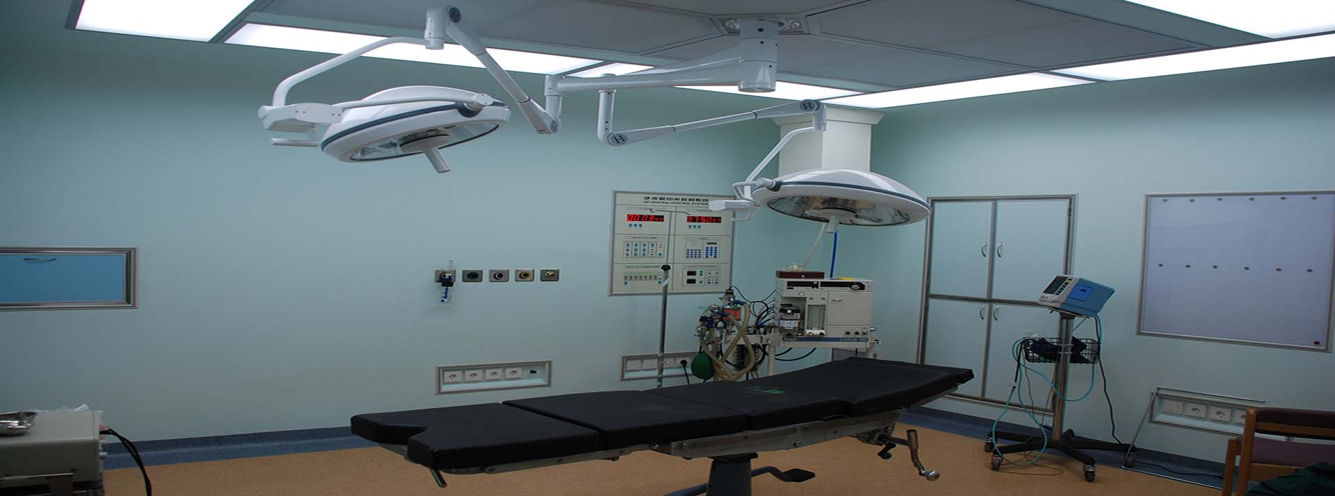 Modular operating theatres